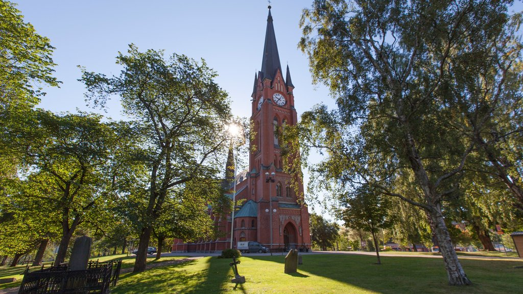 Sundsvall featuring a garden, heritage elements and a church or cathedral