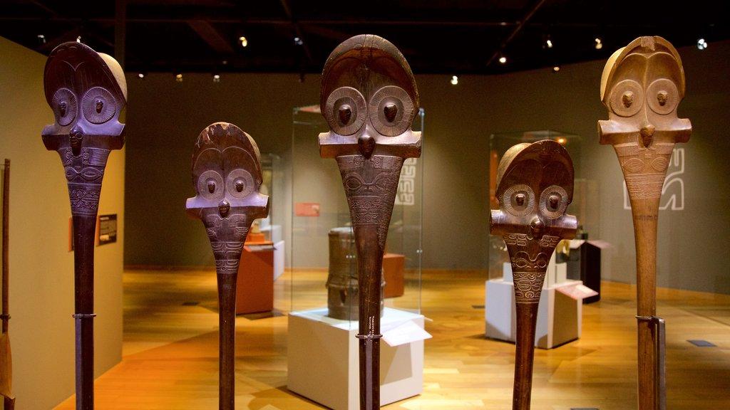 Museo de Tahití que incluye vistas interiores y cultura indígena