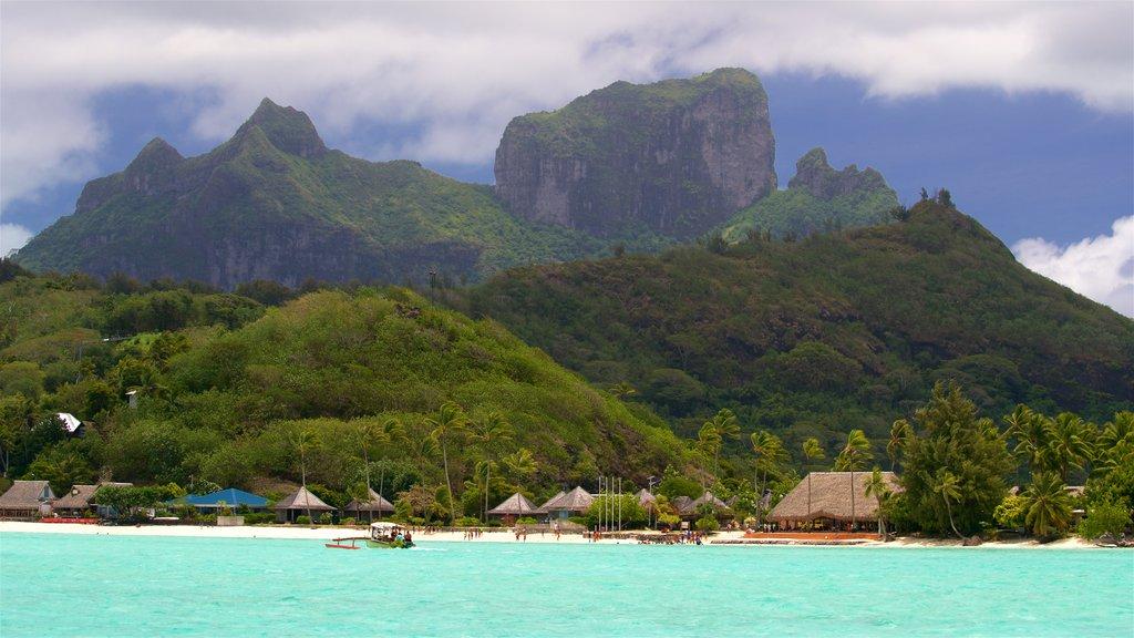 Punta Matira mostrando escenas tropicales, vistas generales de la costa y montañas