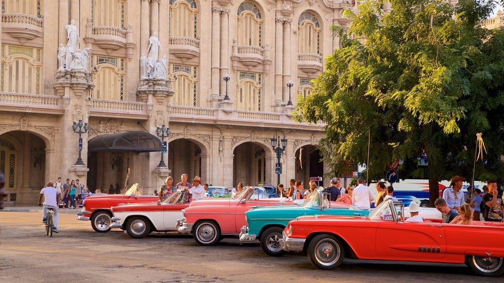 La Habana Grand Theater showing heritage elements