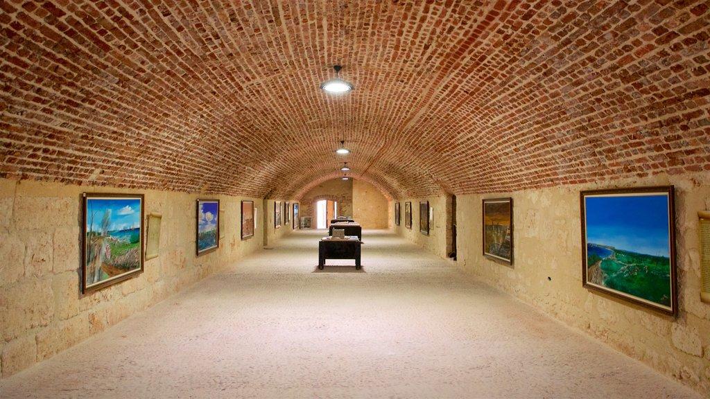 El Morro que incluye arte y vistas interiores