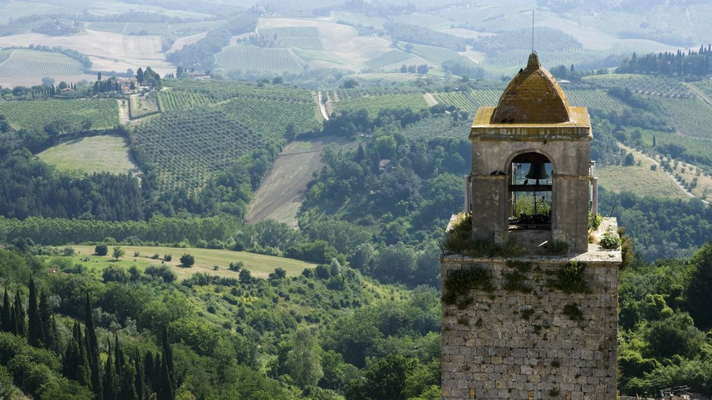 San Gimignano which includes heritage elements and tranquil scenes