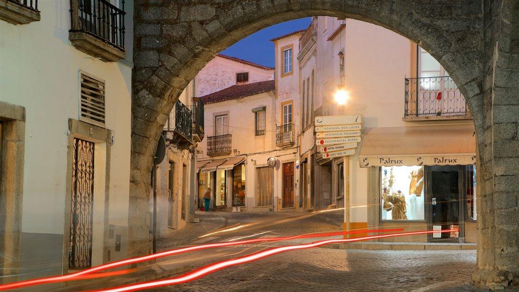 Evora showing night scenes