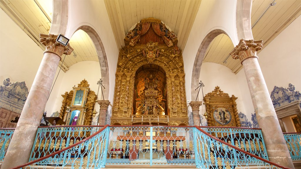 Misericordia Church showing a church or cathedral, interior views and heritage elements