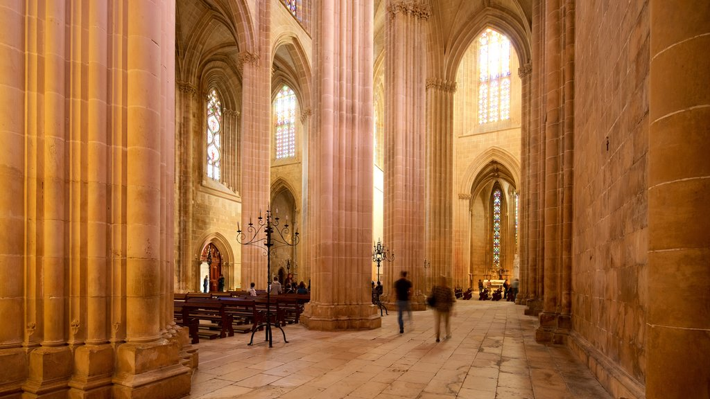 Batalha Monastery showing heritage elements, interior views and a church or cathedral