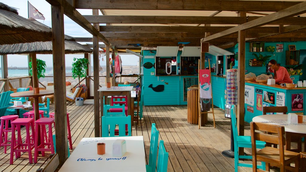 Faro Island Beach which includes cafe lifestyle