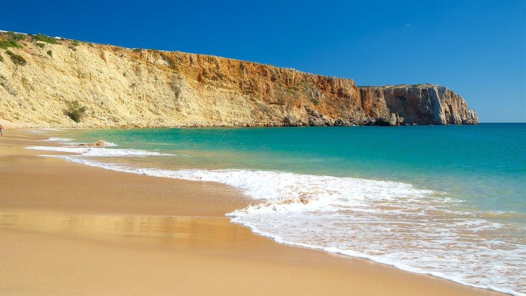 Mareta Beach showing general coastal views, a sandy beach and rocky coastline