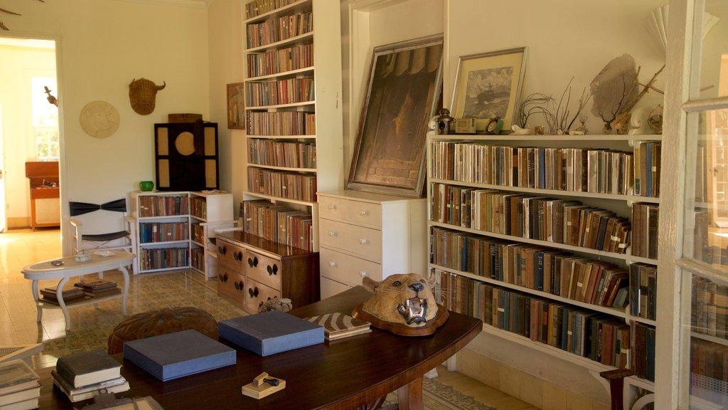 Ernest Hemingway Museum mostrando vistas interiores