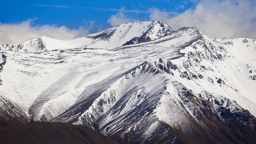 Canterbury ofreciendo nieve, montañas y vistas de paisajes