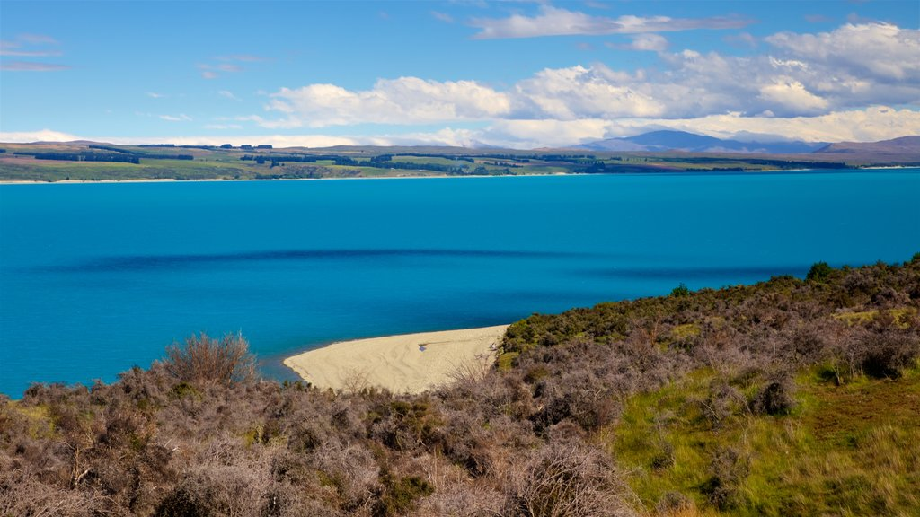 Mount Cook National Park featuring a lake or waterhole, tranquil scenes and landscape views