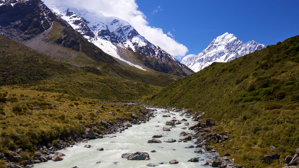 Mount Cook National Park which includes snow, mountains and landscape views