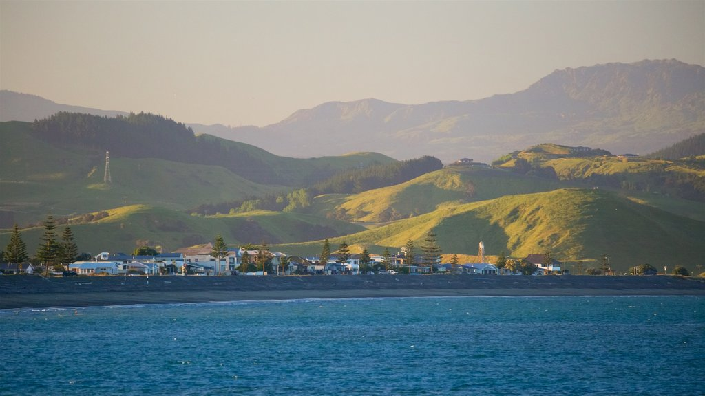 Napier featuring a sunset, tranquil scenes and a bay or harbor