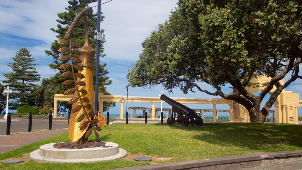 Napier que incluye un parque, arte al aire libre y elementos del patrimonio