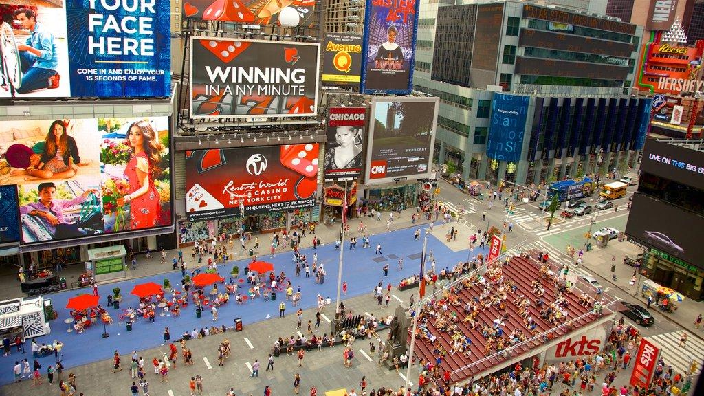 Times Square que inclui uma cidade, cbd e sinalização