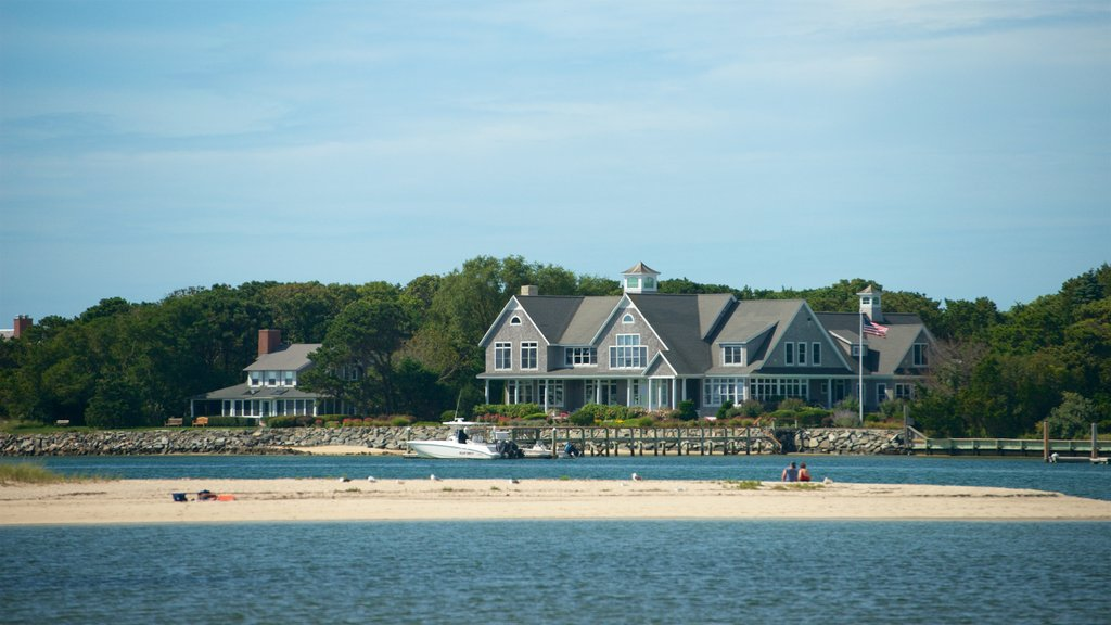Yarmouth featuring a beach, a house and a river or creek