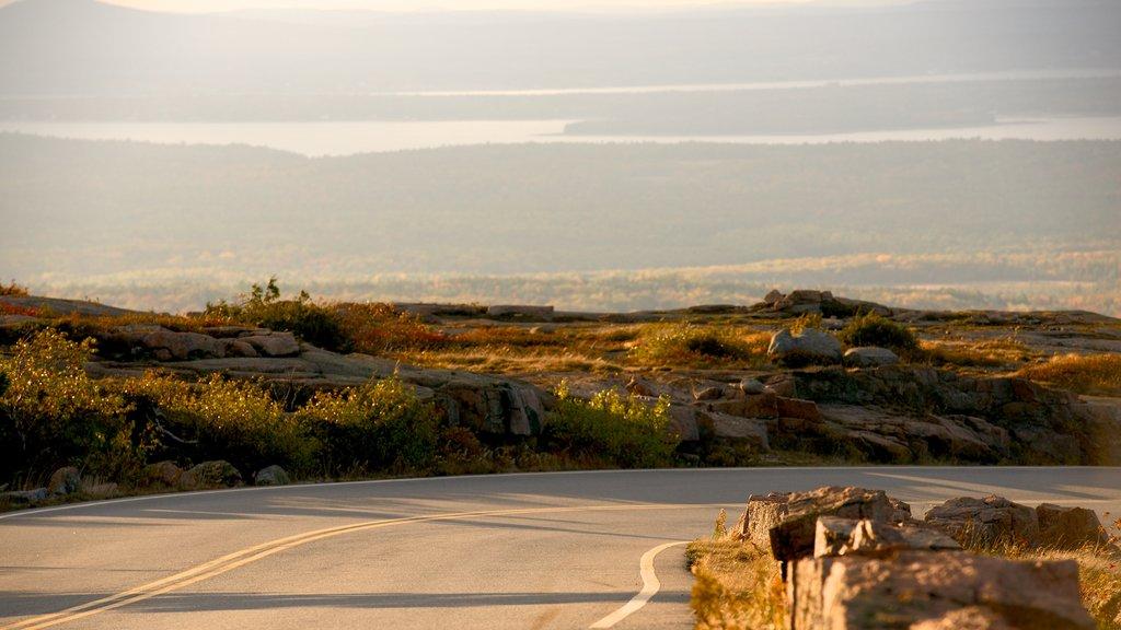 Cadillac Mountain caracterizando um pôr do sol, cenas tranquilas e paisagem