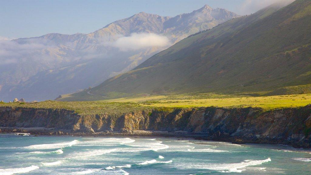 Big Sur que incluye vistas generales de la costa, montañas y costa escarpada