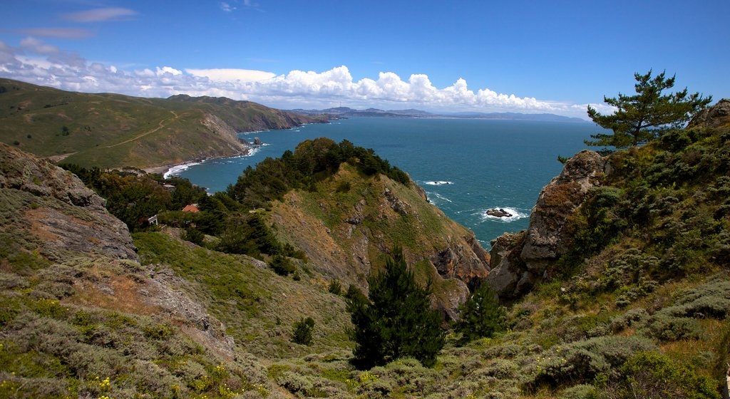 Muir Beach which includes rocky coastline and general coastal views