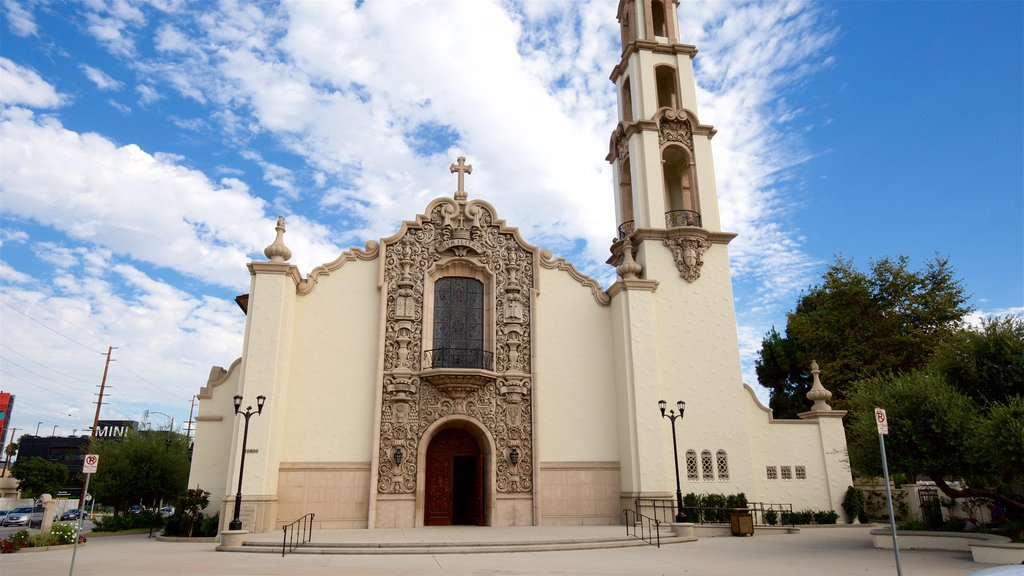 Burbank which includes heritage architecture and a church or cathedral