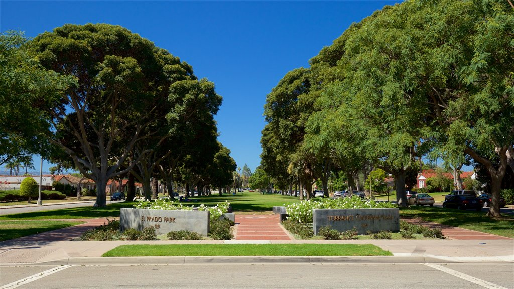 Torrance featuring a park