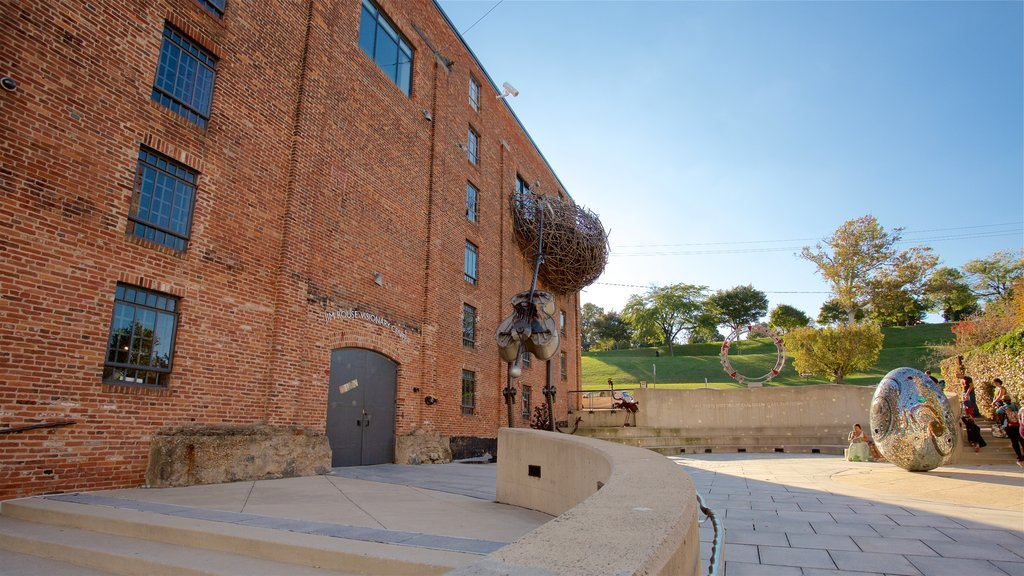 American Visionary Art Museum showing a park and outdoor art