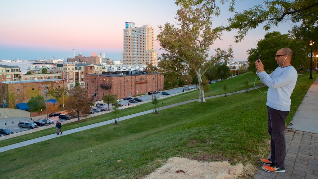 Federal Hill Park featuring a city, a sunset and a garden