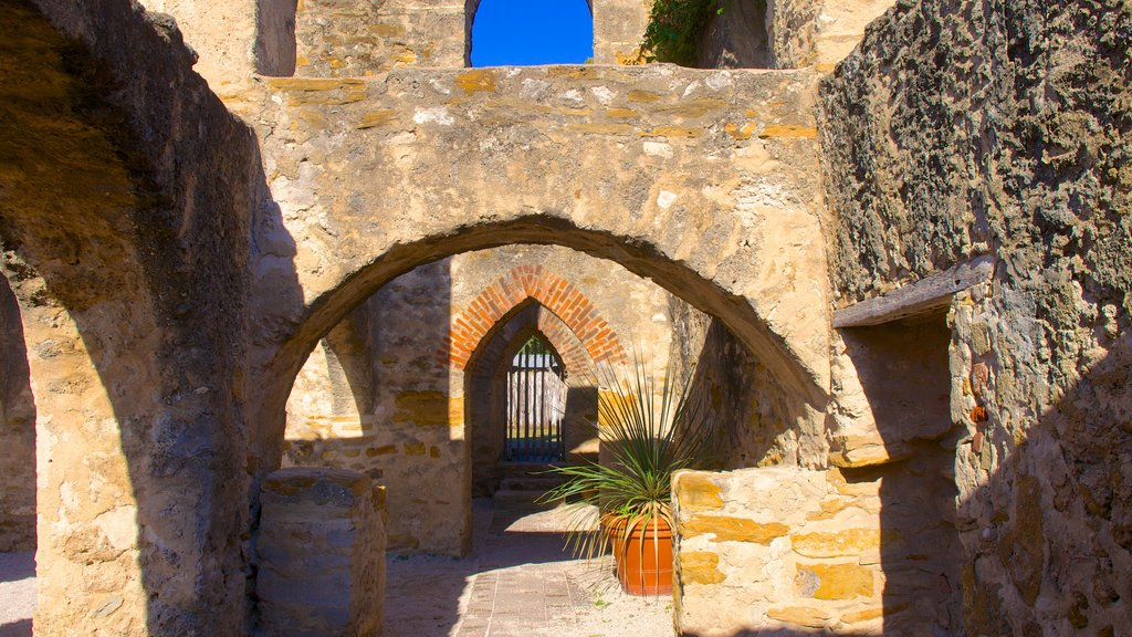 San Antonio Missions National Park featuring heritage architecture
