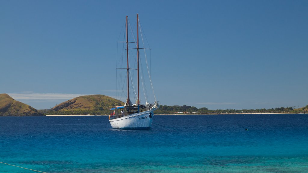 Mamanuca Islands which includes boating, general coastal views and island images