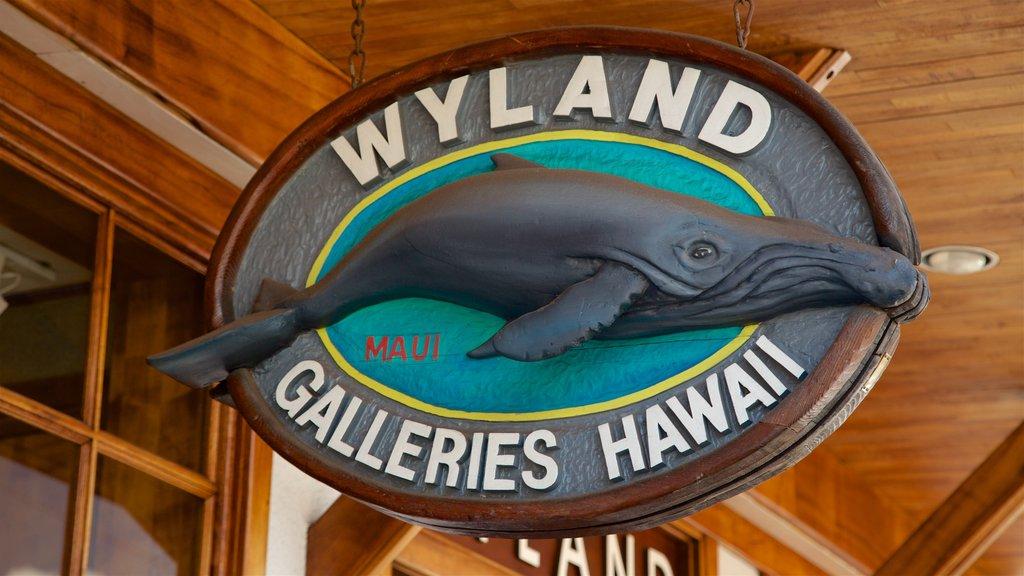 Lahaina showing signage