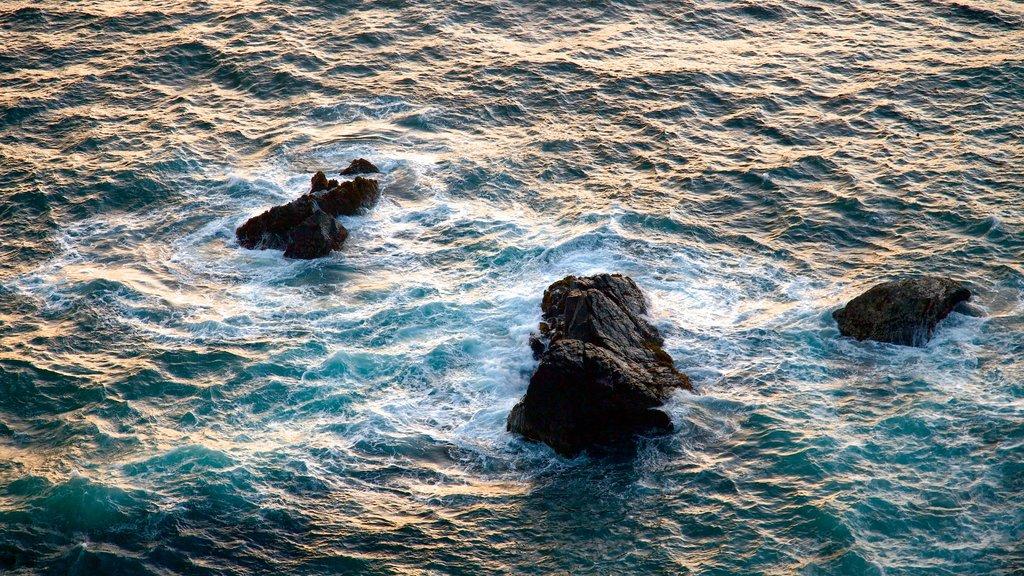 Big Sur mostrando vistas generales de la costa