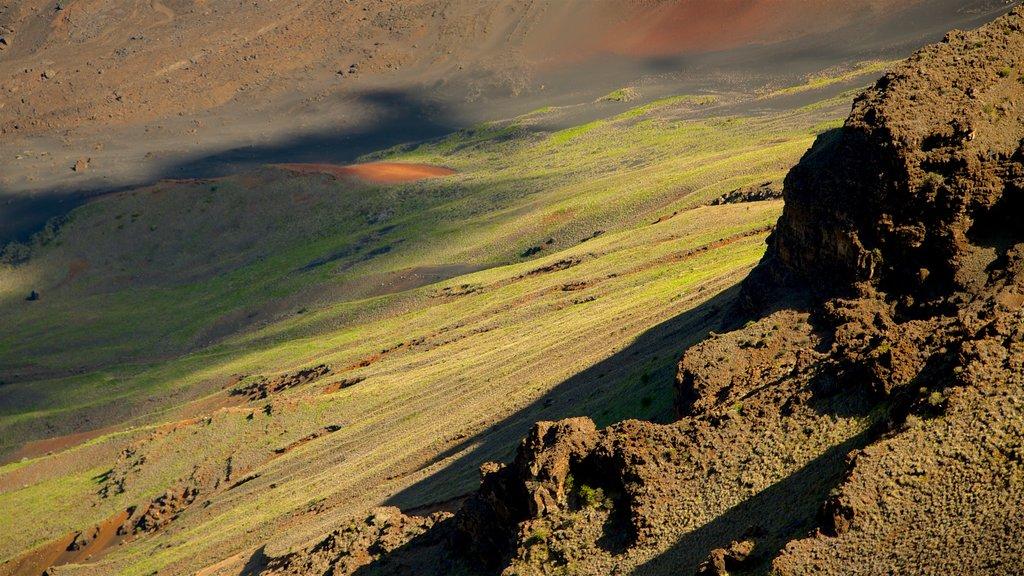 Parque Nacional Haleakala que incluye escenas tranquilas