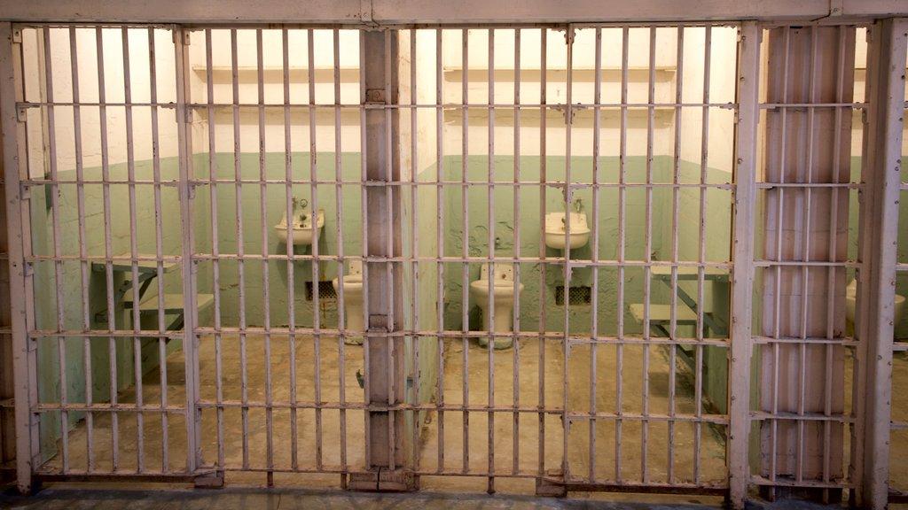 Alcatraz Island caracterizando vistas internas e elementos de patrimônio