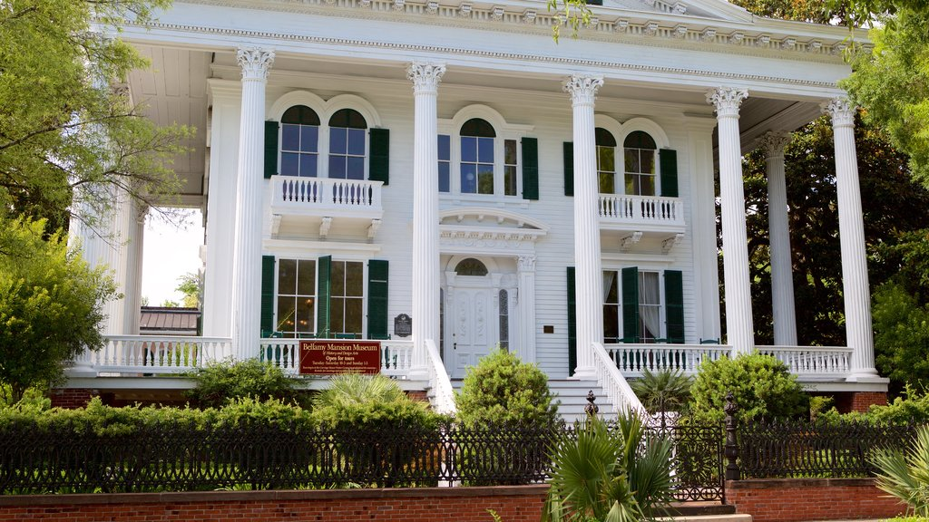 Bellamy Mansion Museum featuring heritage elements and a house