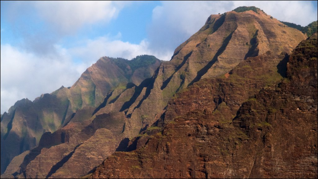 NaPali Coast State Park featuring mountains and landscape views