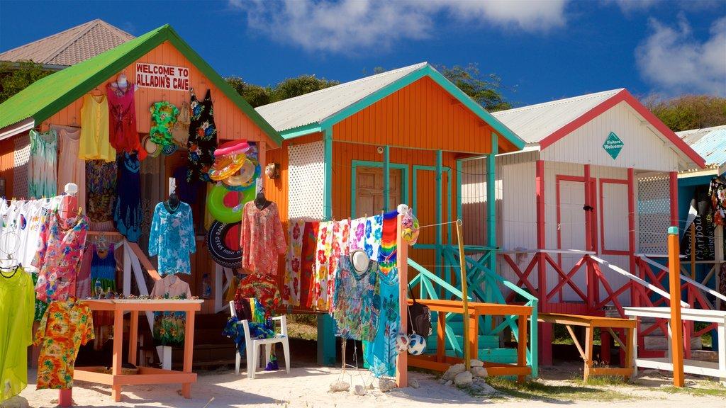 Long Bay que incluye mercados y una casa