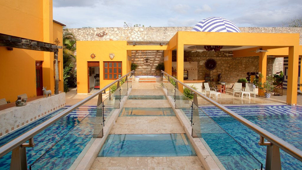 Casa de los Venados which includes a pool
