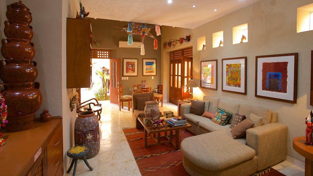 Casa de los Venados featuring interior views and a house