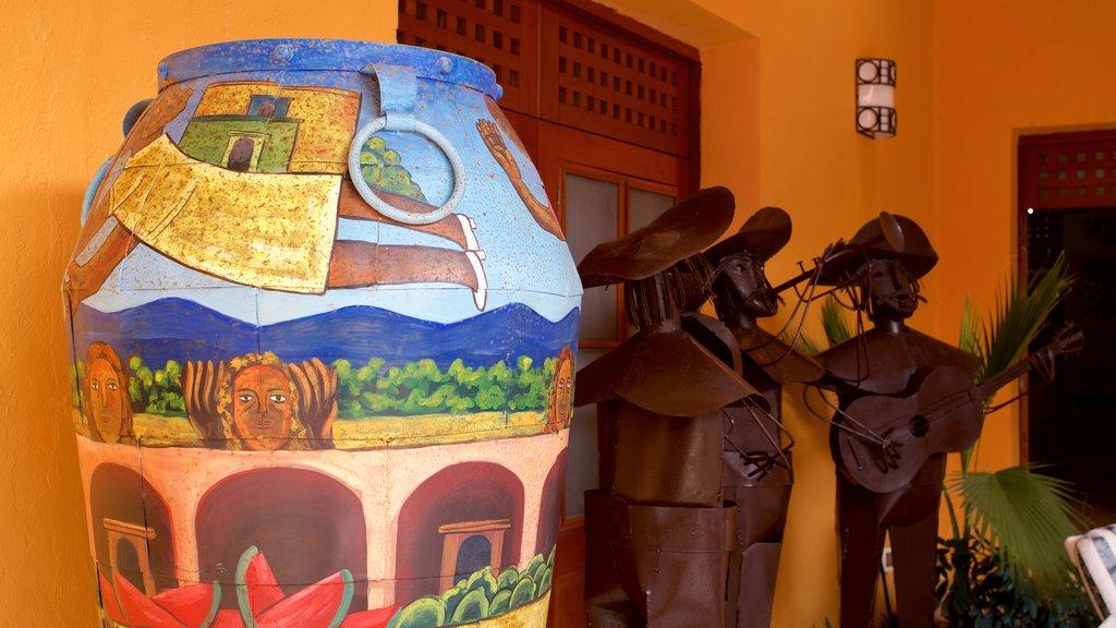 Casa de los Venados showing art