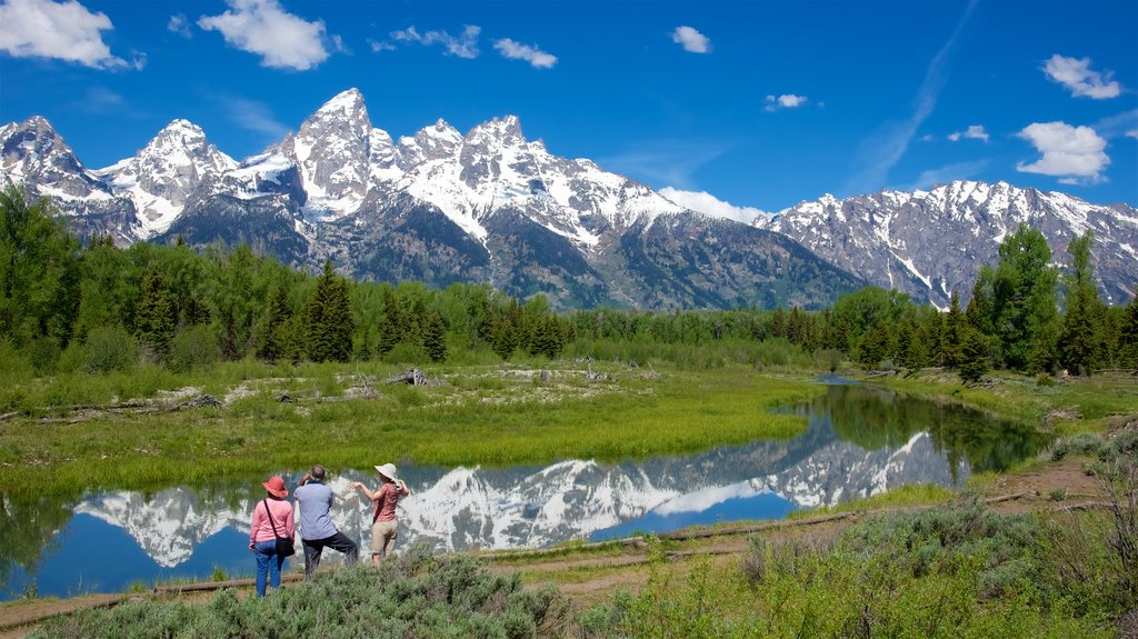 Schwabacher\'s Landing which includes snow, tranquil scenes and mountains