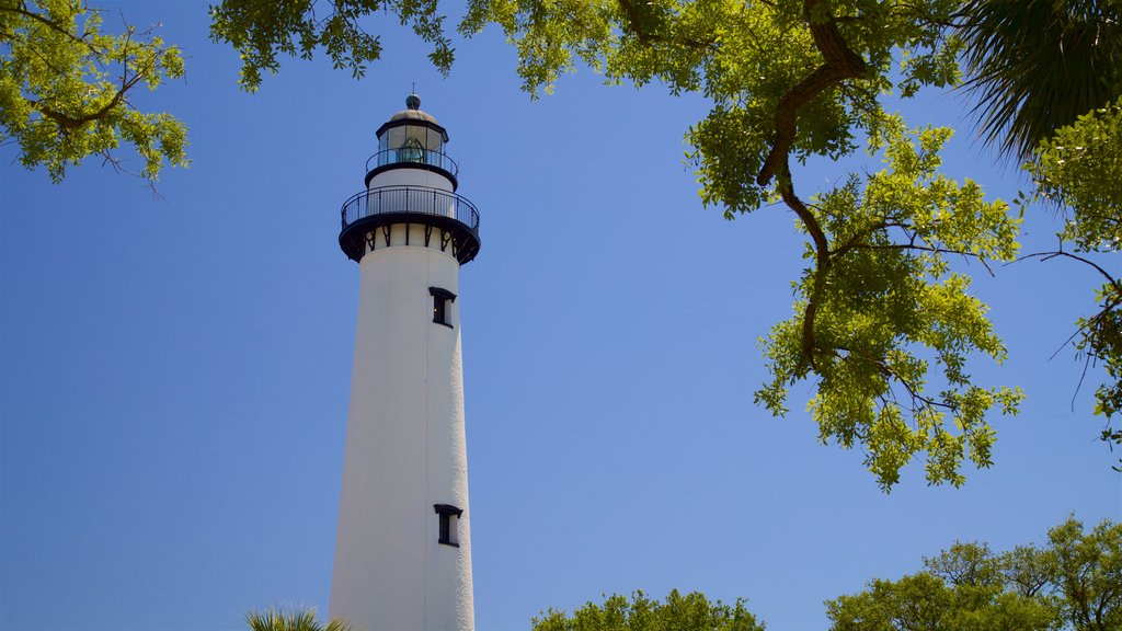 St. Simons Lighthouse Museum which includes a lighthouse