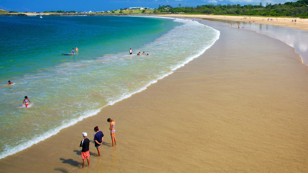 Coffs Harbour which includes swimming, general coastal views and a beach