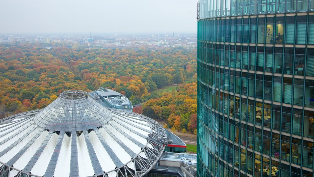 Potsdamer Platz showing a high rise building, modern architecture and a city