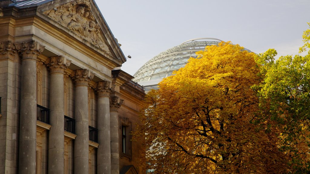 Reichstag Building which includes an administrative buidling, heritage architecture and fall colors