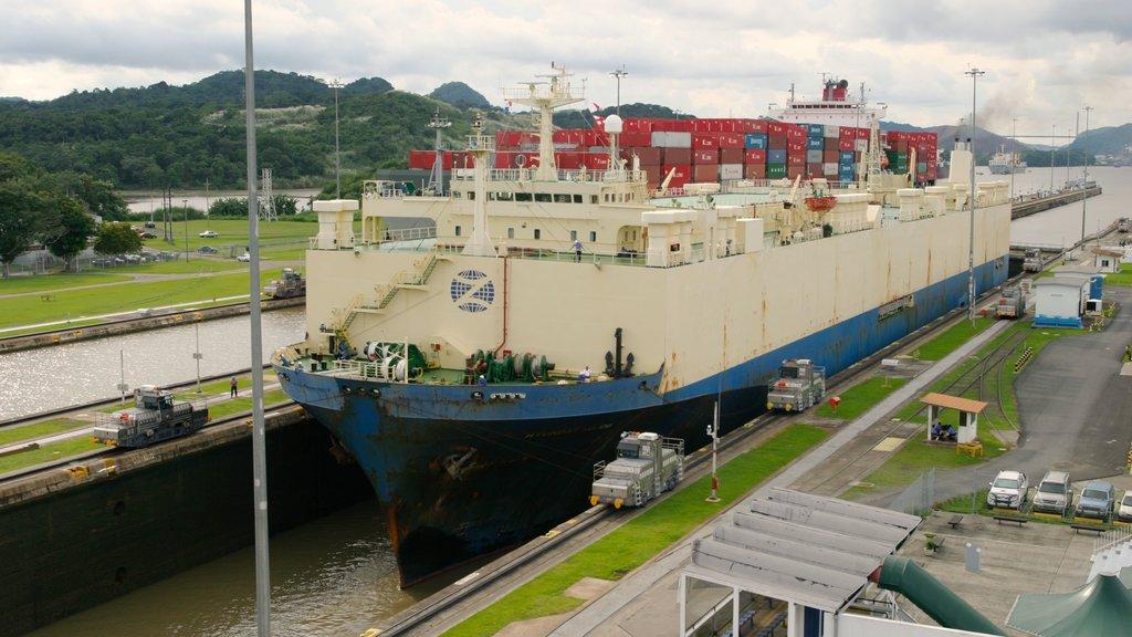Panama showing boating, a bay or harbor and general coastal views
