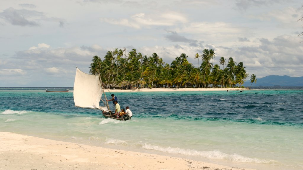 Panama which includes sailing, a sandy beach and tropical scenes