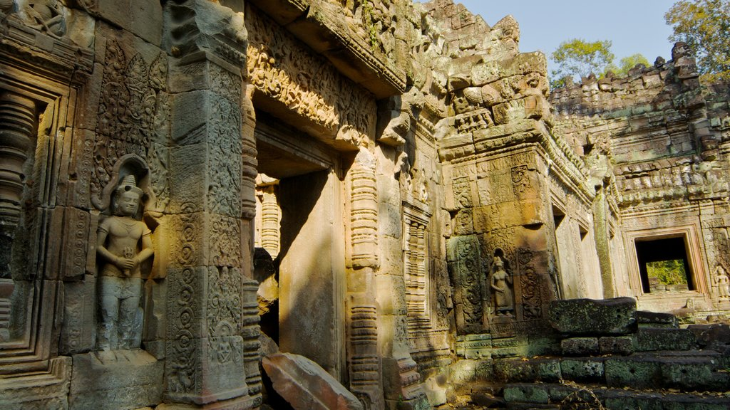 Siem Reap featuring a temple or place of worship and heritage architecture