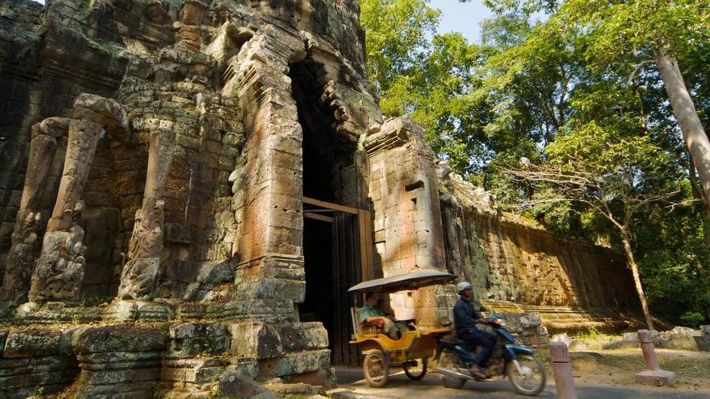 Siem Reap showing building ruins, heritage architecture and a temple or place of worship