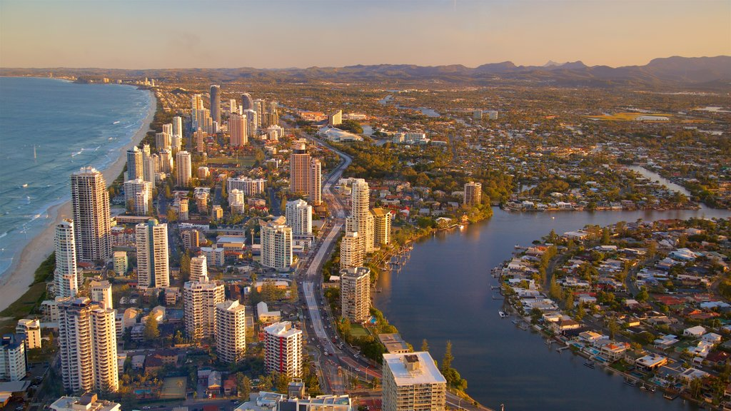 Surfers Paradise showing a skyscraper, a coastal town and a river or creek