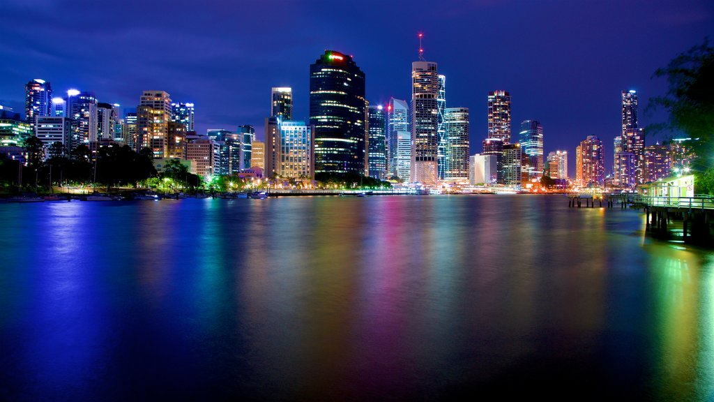 Kangaroo Point featuring a city, night scenes and a skyscraper