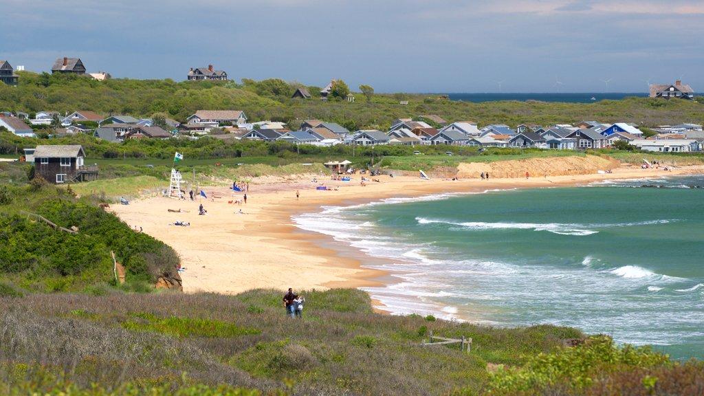 Playa Ditch Plains mostrando una ciudad costera, una playa de arena y vistas generales de la costa